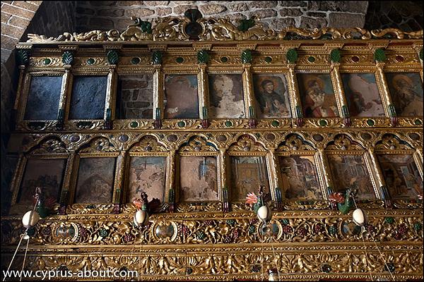 Резной иконостас в Храме св. Лазаря, друга Христа, считается одним из самых красивых иконостасов на острове. Ларнака, Кипр