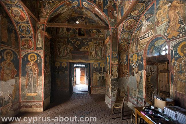 Храм Панагии Форвиотиссы близ Никитари. Кипр